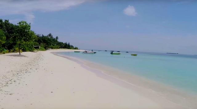 бикини-пляж на Тулусду