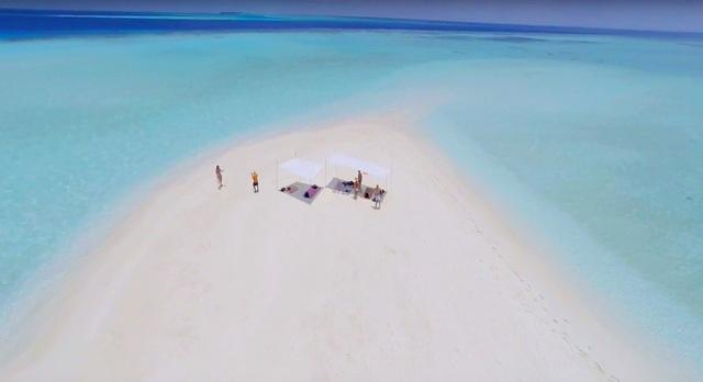 пикник на необитаемом острове