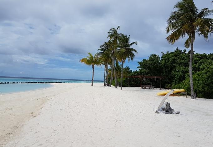 Hurawalhi Island