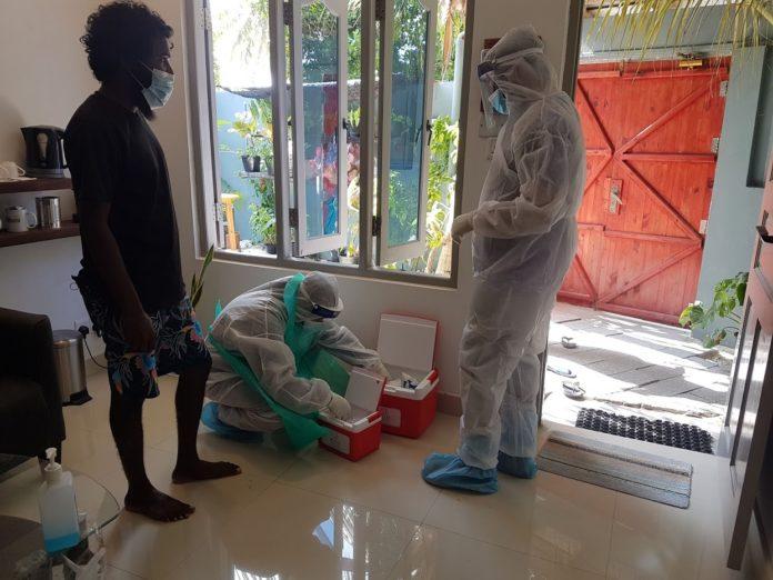 тест на COVID на Мальдивах